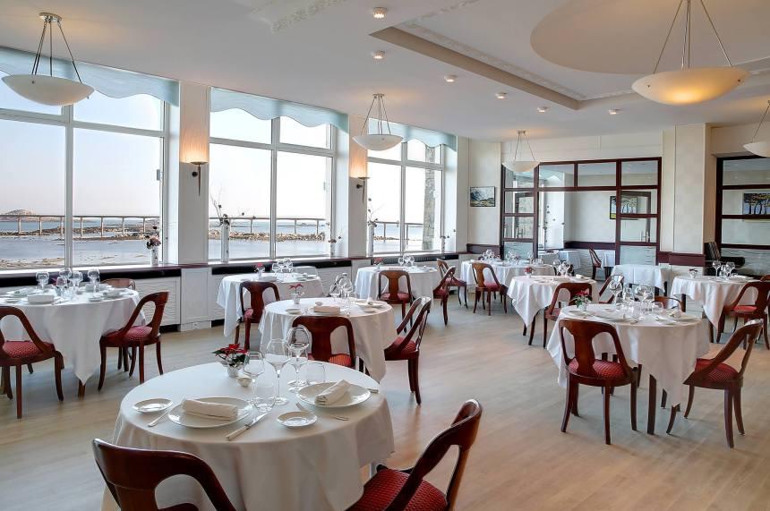 Salle avec vue du restaurant Le Rackham